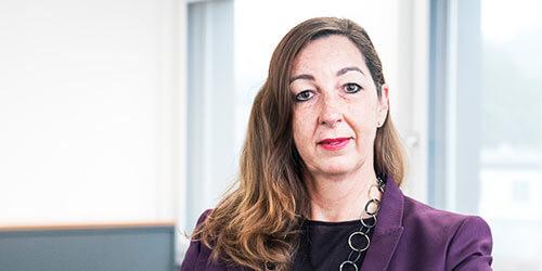 Frau Carol Schmidt-Wälti die Inhaberin der SDL AG.